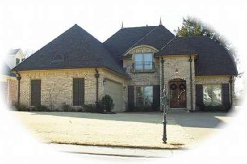 European Style House Plan - 3 Beds 3 Baths 3178 Sq/Ft Plan #81-1151 Exterior - Front Elevation