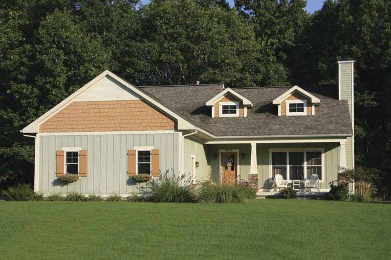 Craftsman Exterior - Front Elevation Plan #928-118 - Houseplans.com