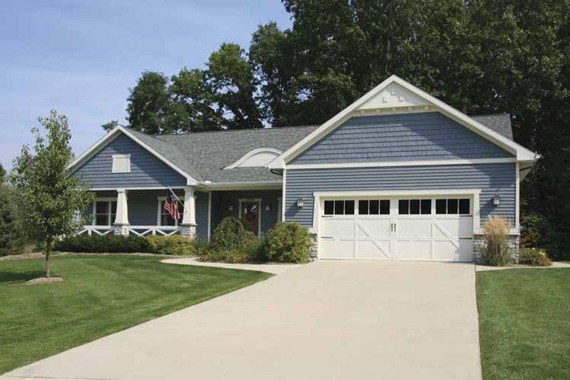 Craftsman Exterior - Front Elevation Plan #928-121 - Houseplans.com