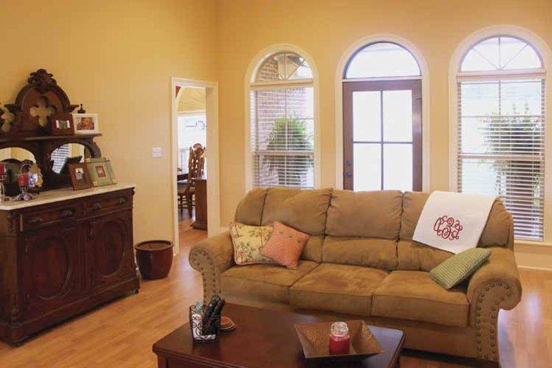 Traditional Interior - Family Room Plan #21-422 - Houseplans.com
