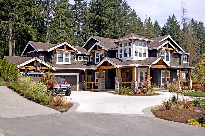 Craftsman Style House Plan - 4 Beds 3 Baths 4450 Sq/Ft Plan #132-170