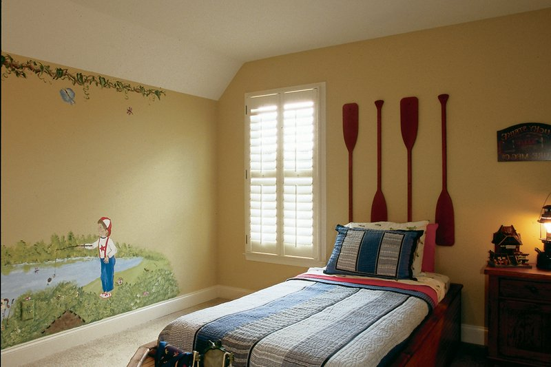 Country Interior - Bedroom Plan #927-9 - Houseplans.com