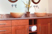 Craftsman Style House Plan - 4 Beds 3.5 Baths 3434 Sq/Ft Plan #1042-1 Interior - Bathroom