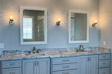 House Plan Design - Craftsman Interior - Master Bathroom Plan #437-96