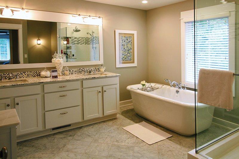 Craftsman Interior - Master Bathroom Plan #928-277 - Houseplans.com