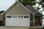 Craftsman Style House Plan - 4 Beds 3 Baths 3226 Sq/Ft Plan #1064-7 Exterior - Front Elevation