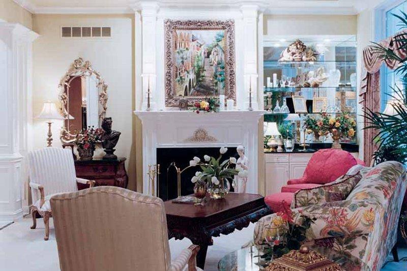 Country Interior - Family Room Plan #46-648 - Houseplans.com