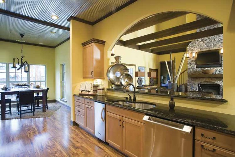 Traditional Interior - Kitchen Plan #17-2779 - Houseplans.com