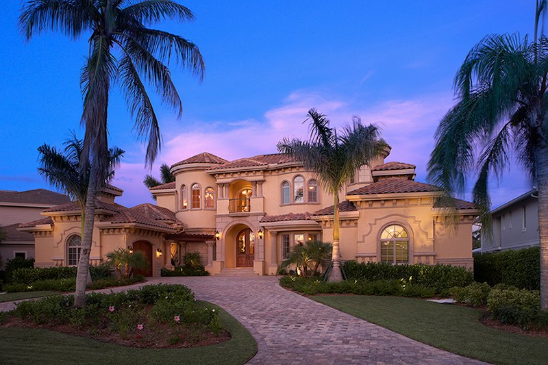 Mediterranean Style House Plan - 5 Beds 5.5 Baths 6045 Sq/Ft Plan #548-3 Exterior - Front Elevation