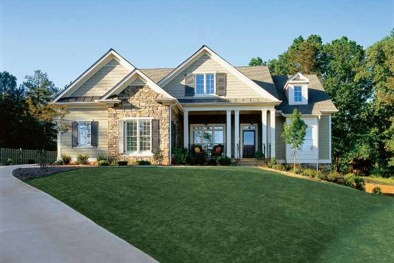 Craftsman style house plan 3 beds 2 5 baths 2917 sq ft
