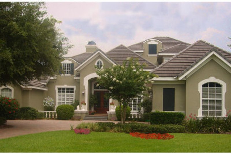 Traditional Style House Plan - 7 Beds 6 Baths 6123 Sq/Ft Plan #135-209 Exterior - Front Elevation