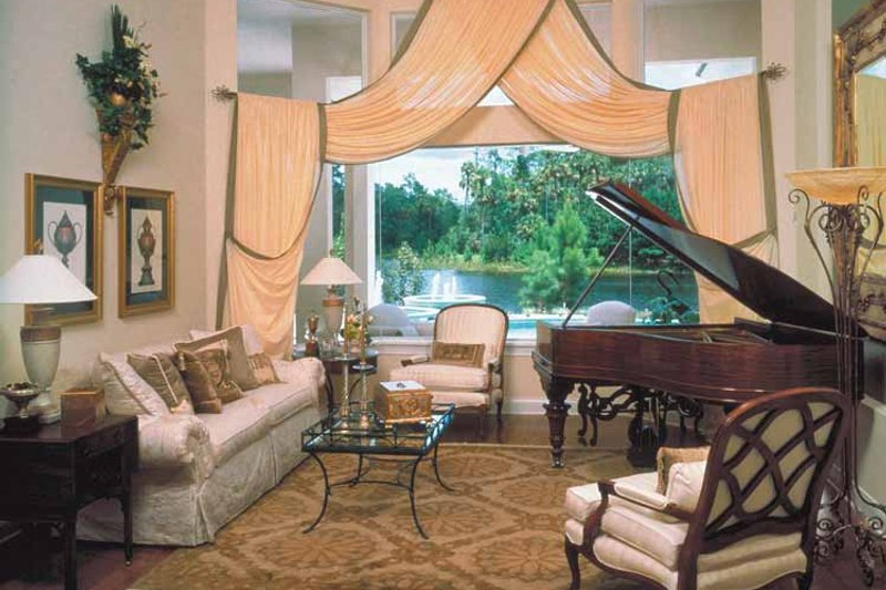 Colonial Interior - Family Room Plan #417-666 - Houseplans.com
