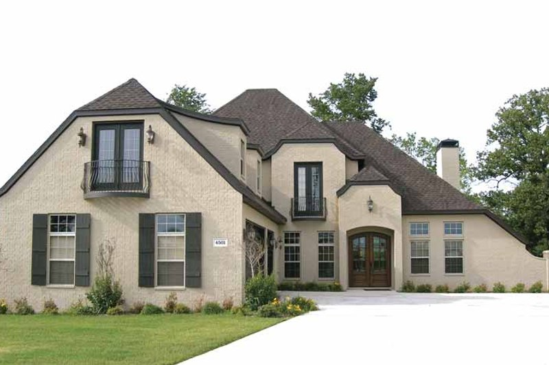 House Plan Design - Contemporary Exterior - Front Elevation Plan #11-273