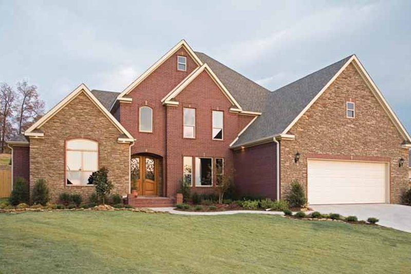 Dream House Plan - Traditional Exterior - Front Elevation Plan #17-2721