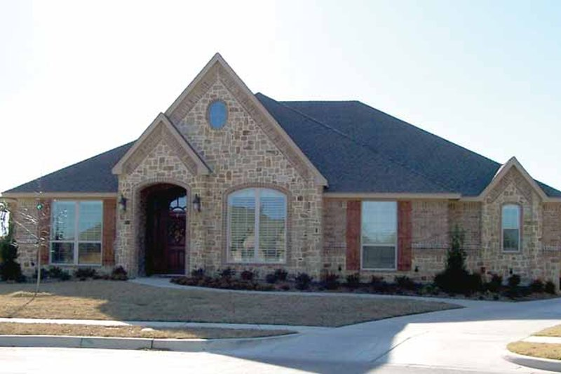 House Plan Design - Tudor Exterior - Front Elevation Plan #84-727