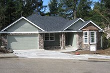 Home Plan - Traditional Exterior - Front Elevation Plan #124-671