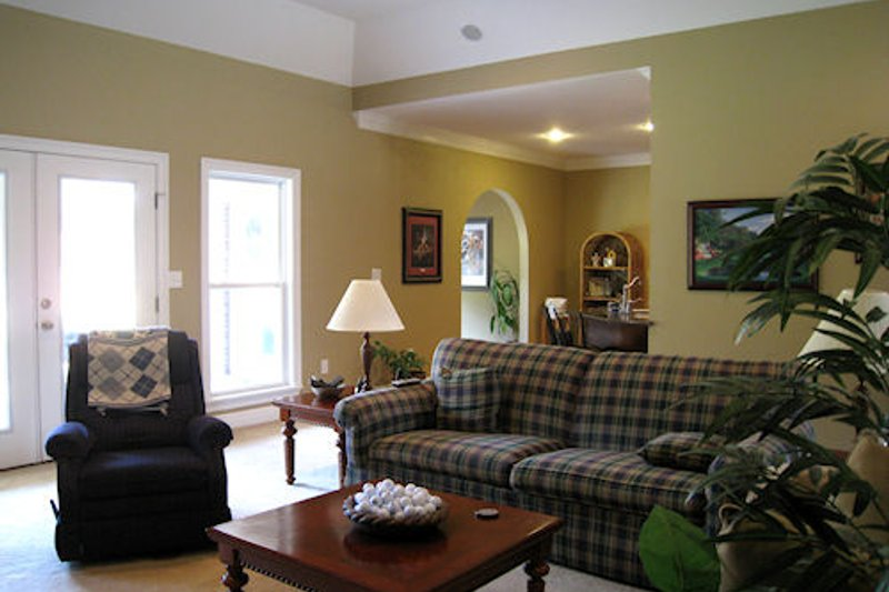 Southern Interior - Family Room Plan #44-126 - Houseplans.com