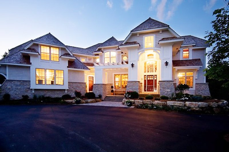 Traditional Exterior - Front Elevation Plan #56-599 - Houseplans.com
