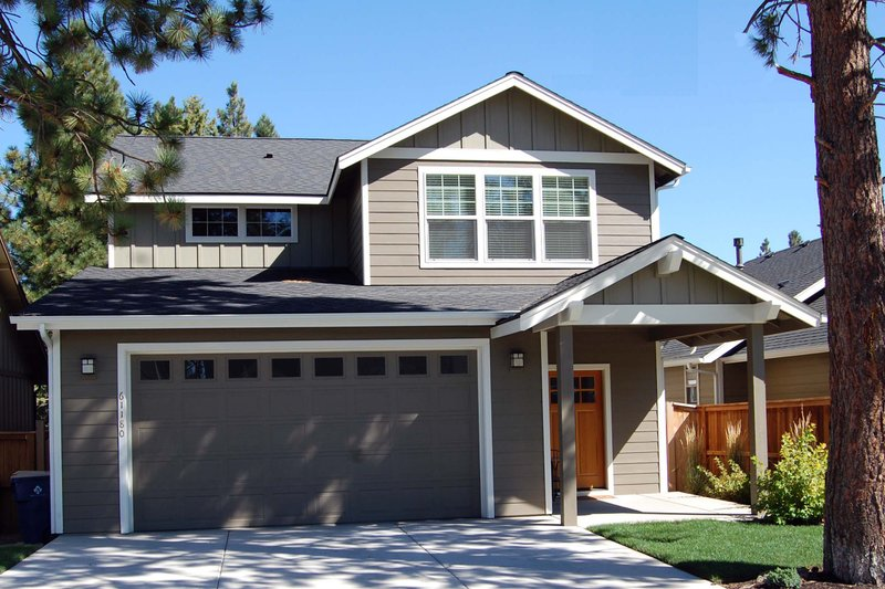 Craftsman Exterior - Front Elevation Plan #434-22