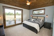 Craftsman Style House Plan - 3 Beds 4.5 Baths 2536 Sq/Ft Plan #892-11 Interior - Master Bedroom