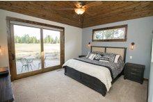 House Design - Craftsman Interior - Master Bedroom Plan #892-11