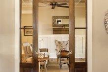 House Design - Country Interior - Entry Plan #928-251
