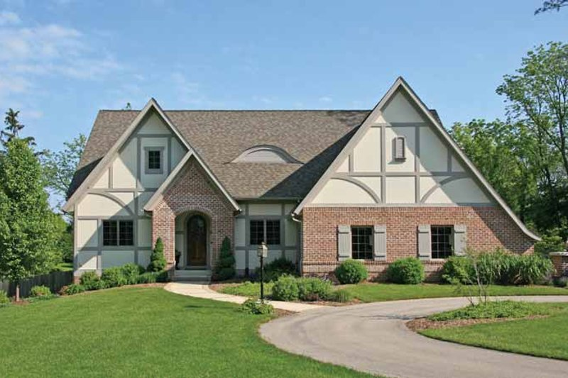 European Style House Plan - 3 Beds 3.5 Baths 2529 Sq/Ft Plan #928-89 Exterior - Front Elevation