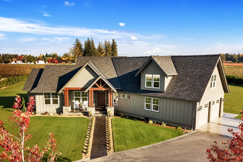 Architectural House Design - Craftsman Exterior - Front Elevation Plan #1070-15