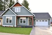 Craftsman Style House Plan - 3 Beds 2.5 Baths 2187 Sq/Ft Plan #1070-50 Exterior - Front Elevation
