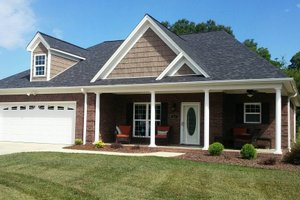 Traditional Exterior - Front Elevation Plan #932-143
