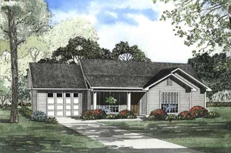 Traditional Style House Plan - 3 Beds 1.5 Baths 1075 Sq/Ft Plan #17-450