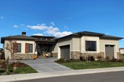 Prairie Style House Plan - 4 Beds 3 Baths 2690 Sq/Ft Plan #1069-8 Exterior - Front Elevation