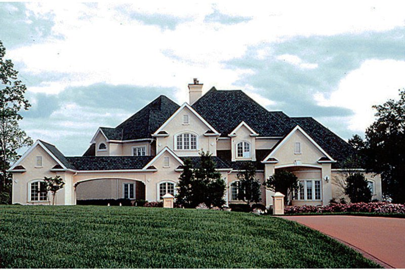 Traditional Style House Plan - 4 Beds 4.5 Baths 5219 Sq/Ft Plan #453-45 Exterior - Front Elevation