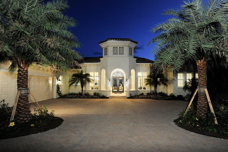 House Plan Design - Mediterranean Exterior - Front Elevation Plan #930-508