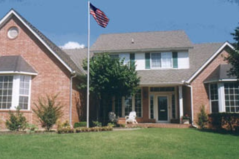 Traditional Exterior - Front Elevation Plan #52-126 - Houseplans.com