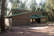 Contemporary Style House Plan - 3 Beds 2.5 Baths 1992 Sq/Ft Plan #515-2