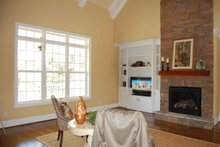 Traditional Interior - Family Room Plan #927-26