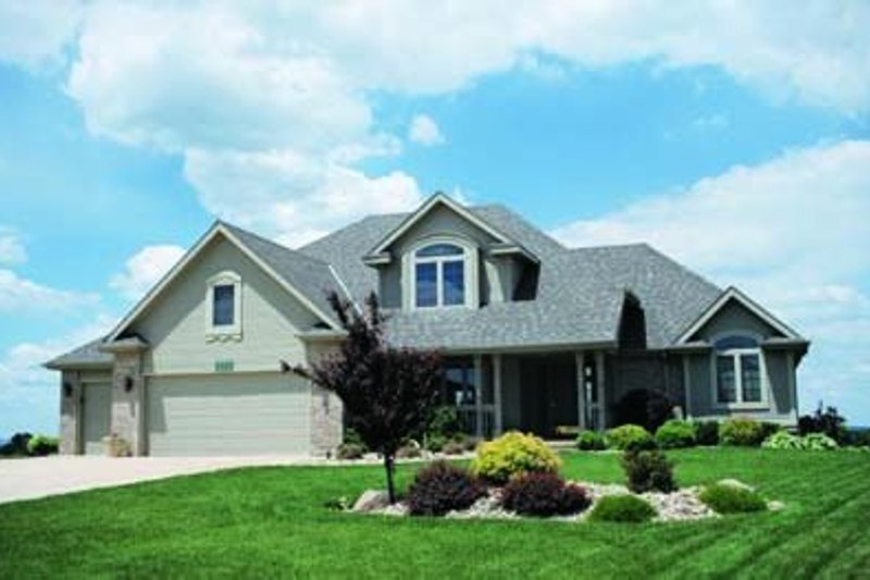 Home Plan Design - Traditional Exterior - Front Elevation Plan #20-484