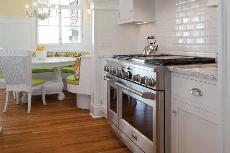 Colonial Interior - Kitchen Plan #928-179 - Houseplans.com
