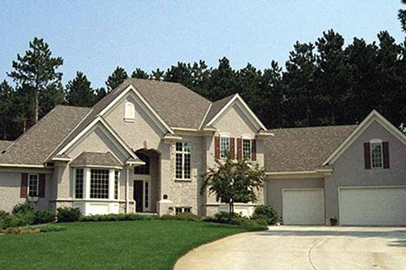 Traditional Exterior - Front Elevation Plan #51-775 - Houseplans.com