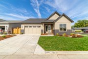 Traditional Style House Plan - 3 Beds 3 Baths 2262 Sq/Ft Plan #124-1162 Exterior - Front Elevation