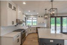 House Plan Design - Farmhouse Interior - Kitchen Plan #1070-39