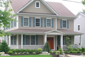 House Plan Design - Traditional Exterior - Front Elevation Plan #1053-53