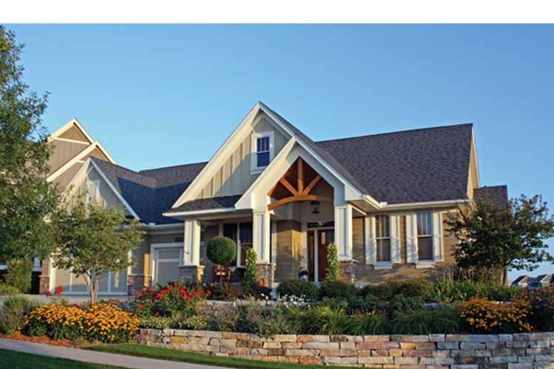 Ranch Exterior - Front Elevation Plan #51-1116
