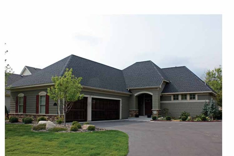 Ranch Exterior - Front Elevation Plan #51-1059