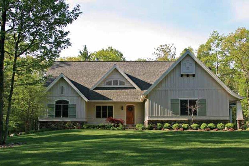 House Plan Design - Bungalow Exterior - Front Elevation Plan #928-202
