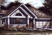 Bungalow Exterior - Front Elevation Plan #320-386