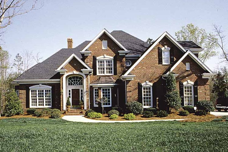 Traditional Exterior - Front Elevation Plan #453-516 - Houseplans.com