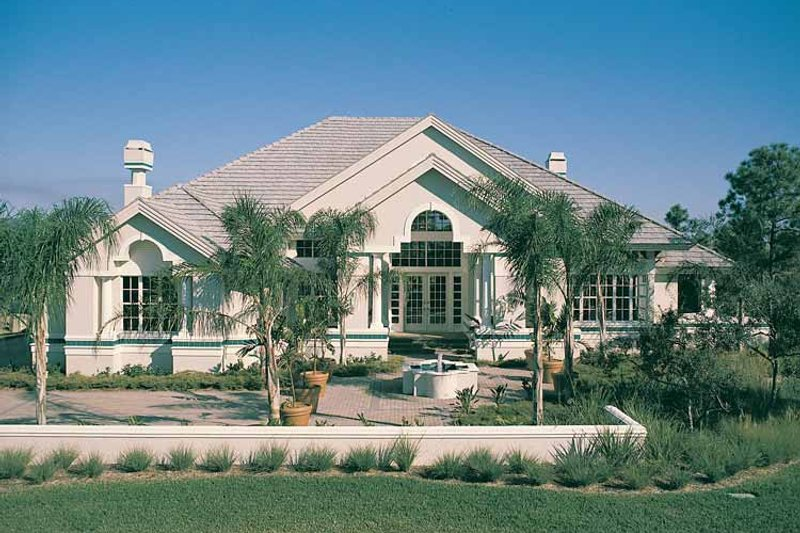 Mediterranean Style House Plan - 3 Beds 3.5 Baths 4565 Sq/Ft Plan #930-39 Exterior - Front Elevation