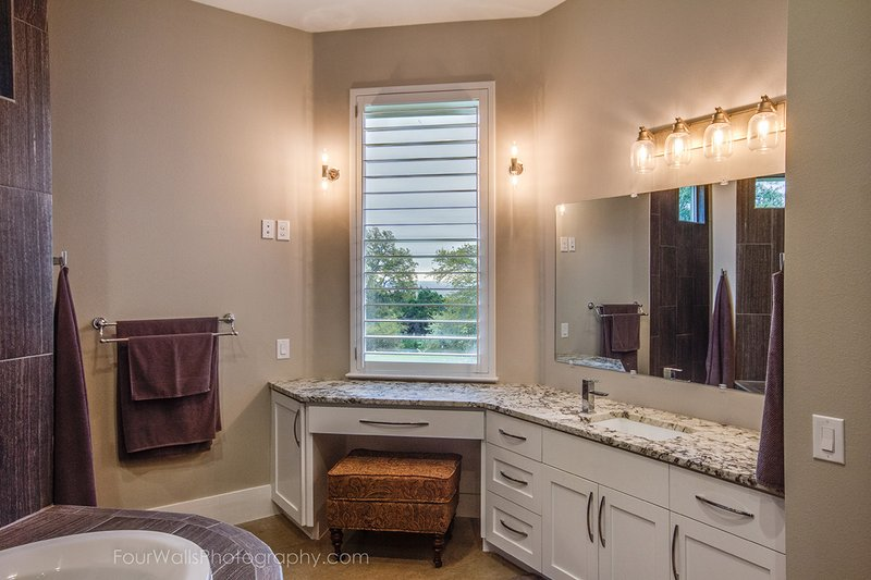 Prairie Interior - Master Bathroom Plan #935-13 - Houseplans.com